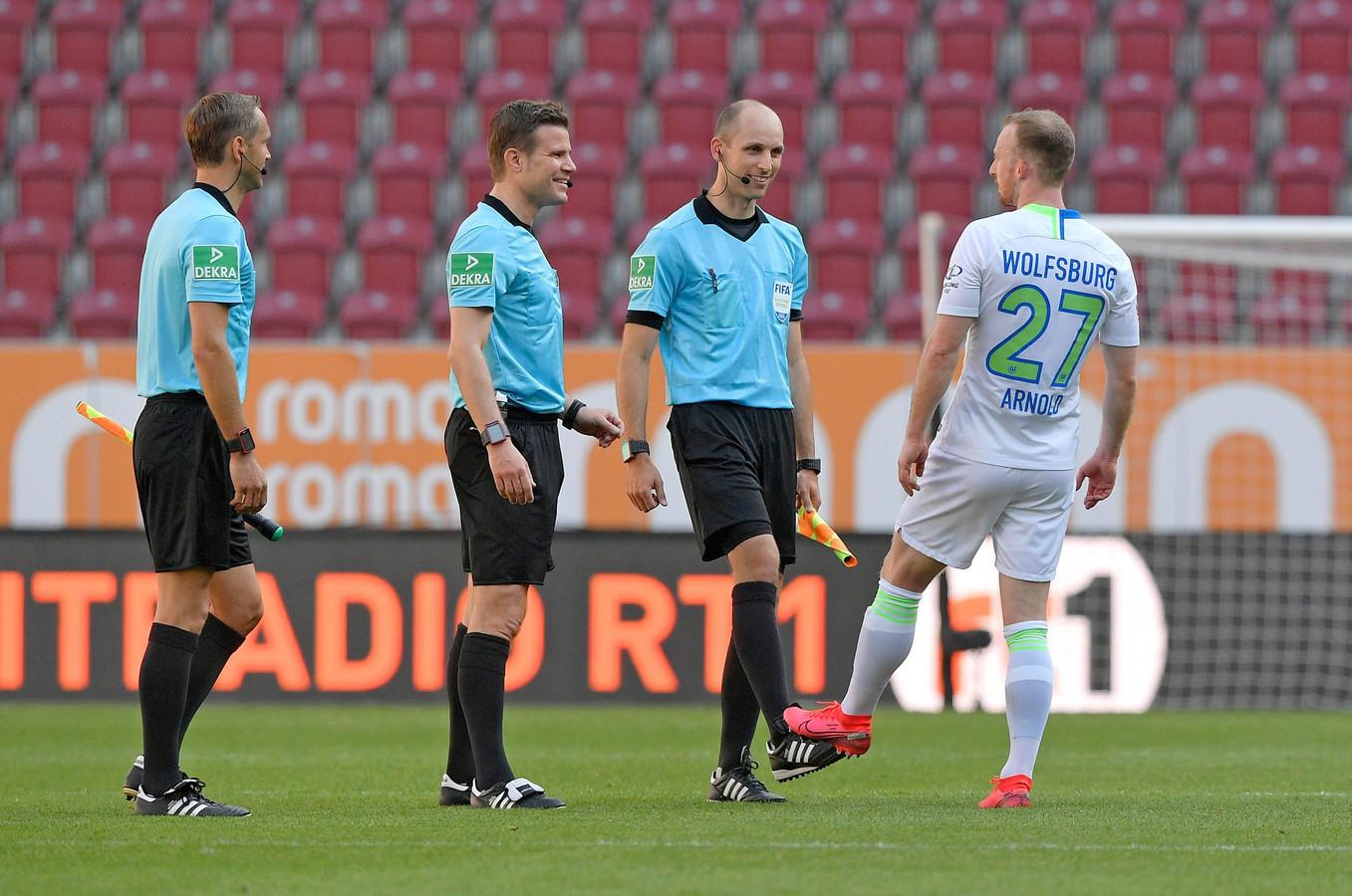 Felix Brych (deuxième en partant de la gauche).