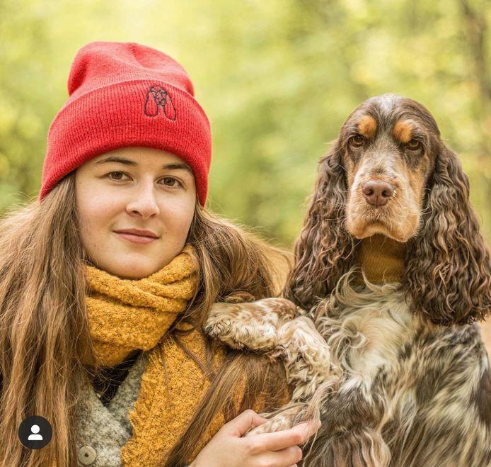 Valerie met hond Nina.