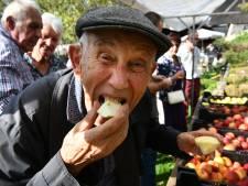 Appels en peren vergelijken op Appeltjesdag in Zoelen