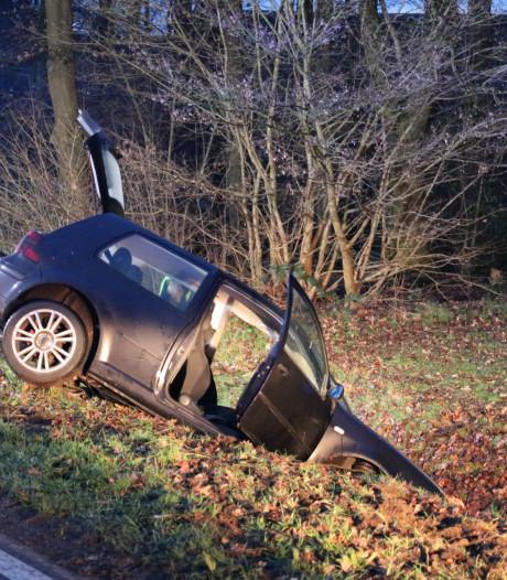 Bestuurder korte tijd beklemd bij ongeluk in Barneveld