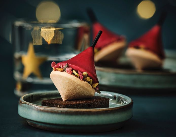 Bouchées au bloc de foie gras de canard:  sur une base de cake salé sont disposés deux blocs de foie gras de canard dont l'un est enrobé d'une gelée à la groseille et à la griotte. Graines de courge et cranberries séchées viennent ajouter une touche déco très croquante.