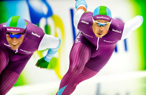 Nederlandse topschaatsers zitten **zonder sponsor en salaris**, toch gaat het harde trainen door