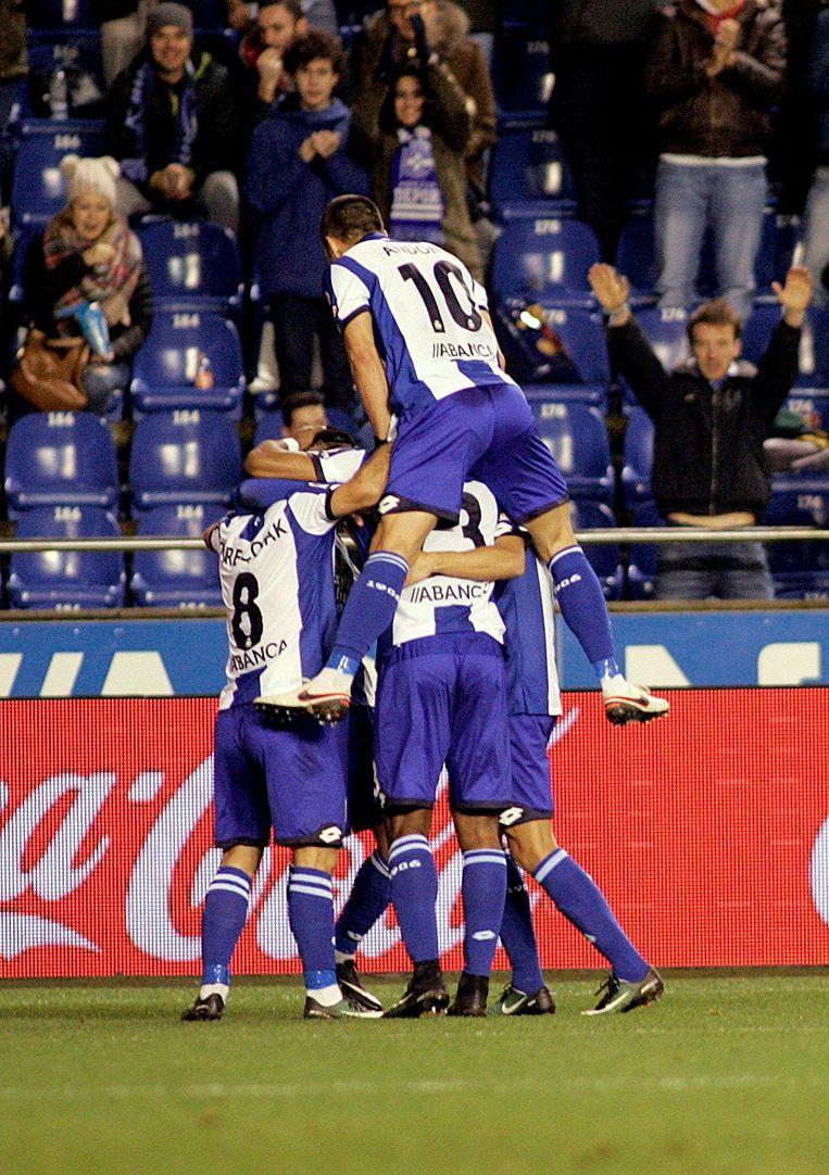 Deportivo viert het doelpunt van Ryan Babel Beeld null