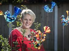 Ellen Kleine Schaars opent eerste glasgalerie in Tubbergen