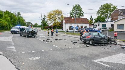 Vrouw gewond bij zwaar verkeersongeval boven Kleiberg in Brakel