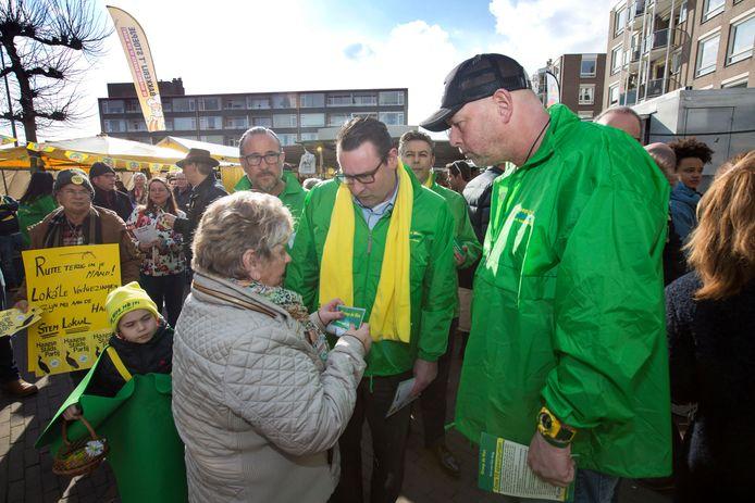 Maart 2018: Groep de Mos voert campagne  op de Loosduinse markt.