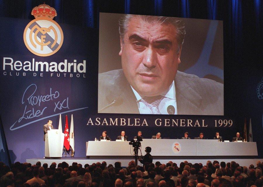Lorenzo Sanz in 1999.