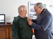 Koninklijke eer Hedelaar Hans van Dinther voor inzet seniorenomroep ORVA