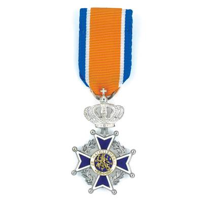 Drie koninklijke onderscheidingen in Drimmelen bij lintjesregen