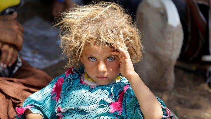 Een gevlucht yezidi-meisje nabij Sinjar.