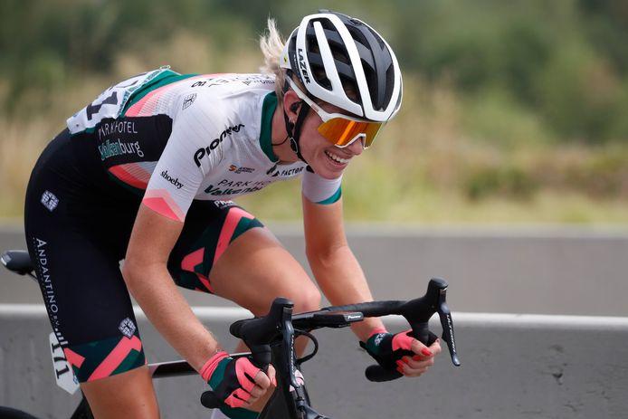 Demi Vollering sloot zondag in de Ronde van Vlaanderen haar veelbelovende seizoen af.