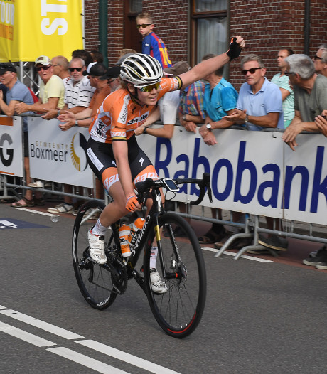 Van der Breggen wint spectaculaire dernykoers Daags na de Tour
