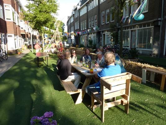 Afgelopen zomer was de Duifstraat in de Vogelenbuurt de eerste leefstraat van Utrecht