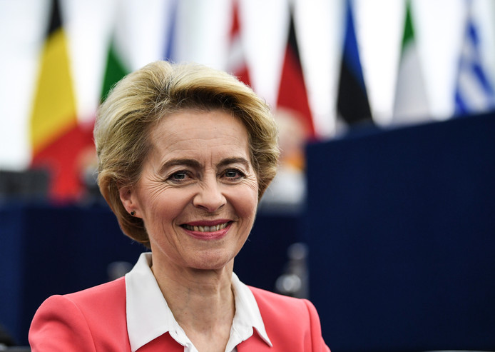 """Ursula von der Leyen, vandaag in Straatsburg: ,,Wij gaan luisteren naar het volk."""""""