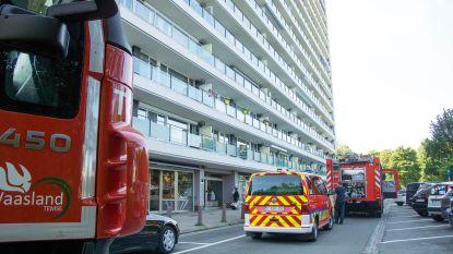 Brandje door vergeten kookpot macaroni op 15e verdieping van flatgebouw in Koningin Fabiolapark