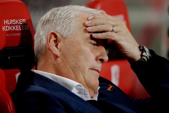 Trainer Hans de Koning had geen beste avond met Volendam.