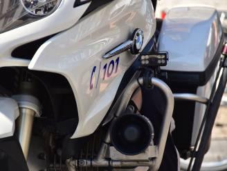 Twee politiemotors in Ronse net niet aangereden door 13-jarige die leert autorijden