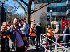 Team Erdogan haalt met luxebussen ja-stemmers op