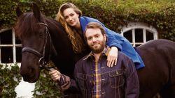 """Lauren Versnick (25) & Jens Dendoncker (29) in hun eerste interview samen: """"Dankzij Lauren zit er weer peper in mijn gat"""""""