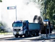 Automobilisten stiekem over fietspad door wegwerk Europaweg in Apeldoorn