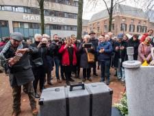 Joods monument in Arnhem onder grote belangstelling onthuld