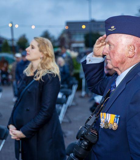 Sobere viering 76 jaar bevrijding Helmond. 'Zou u uw leven wagen voor een vreemde?'