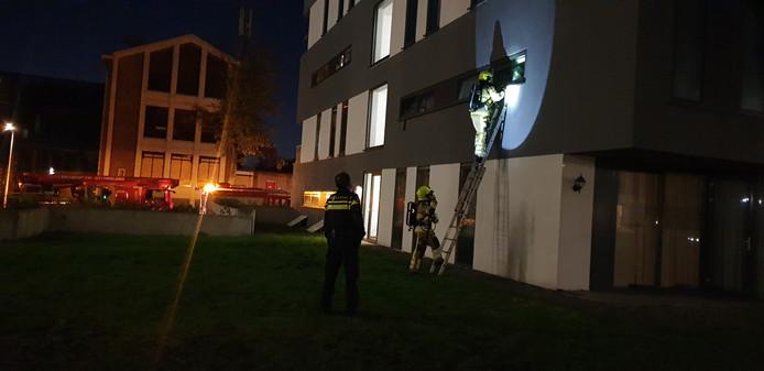 De brandweer rukte uit voor een gebouwbrand en vond een wietkwekerij.