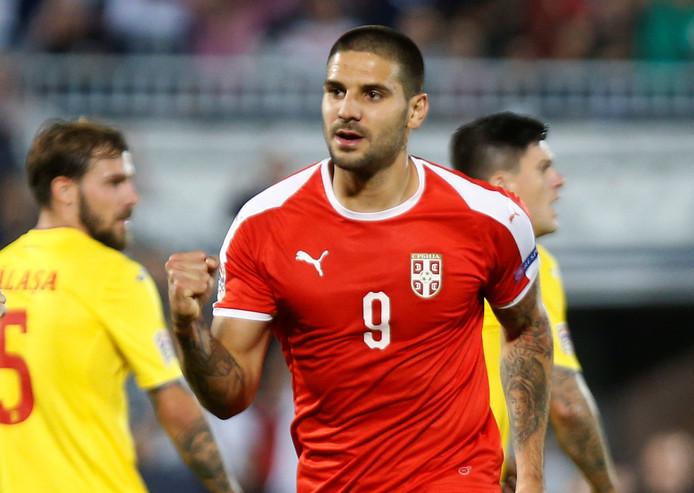 Aleksandar Mitrovic scoorde twee keer namens Servië tegen Roemenië.
