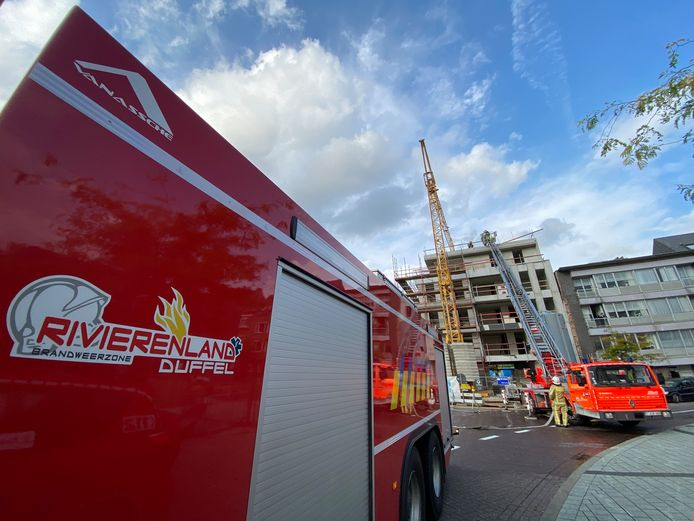De brandweer van Duffel aan het werk tijdens een interventie