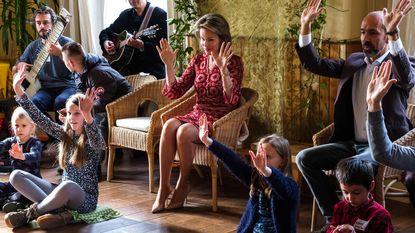 Handendans met de koningin