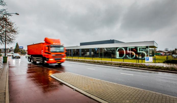 Gebouw055 in Apeldoorn aan de Condorweg. Geloofsgemeenschap De Basis gebruikt het gebouw. Foto genomen vanaf de Kayersdijk. Foto archief