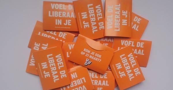 VVD Woerden deelt condooms uit: 'Voel de liberaal in je'