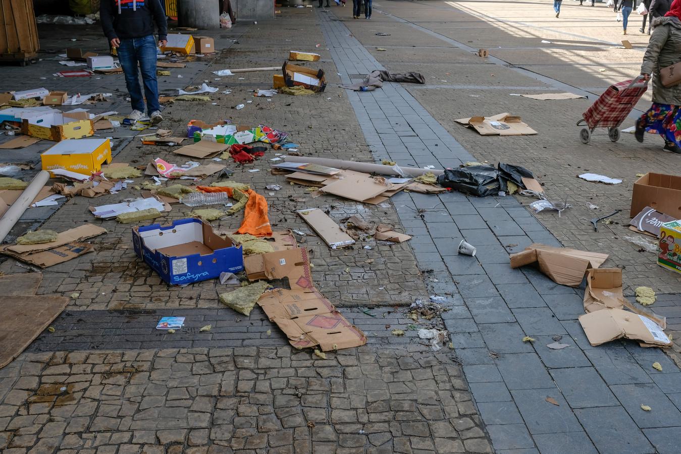 Na de markt blijft veel afval achter