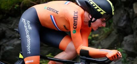 Emoties bij Van Vleuten: 'Diepe dalen maken hoogtepunten soms nóg mooier'