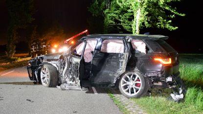 Belg crasht met Range Rover vlak over Nederlandse grens en laat wrak achter in midden van rijbaan