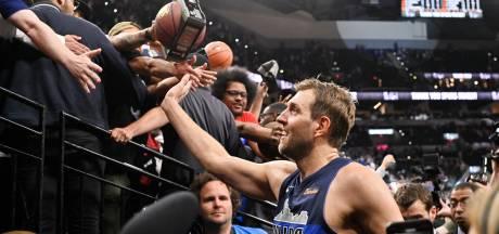 Emotionele Nowitzki zwaait af na 21 jaar, ook Wade neemt afscheid van NBA