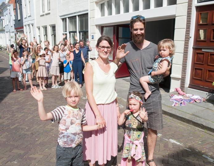 Familie Van Noort vertrekt
