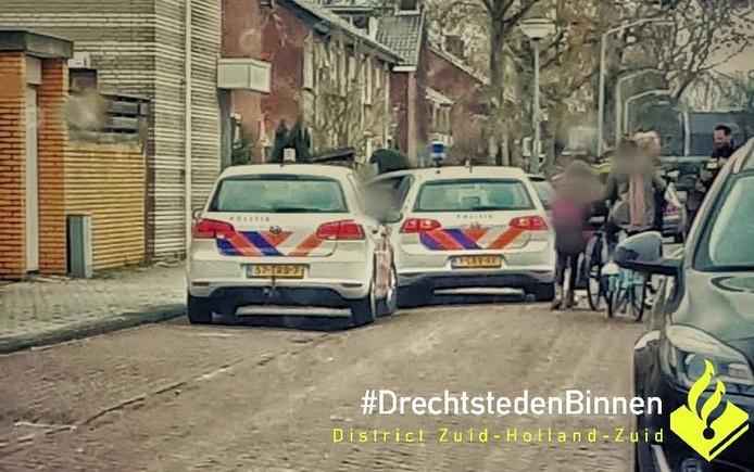 De 19-jarige Dordtenaar werd staande gehouden nadat hij vreemde manoeuvres maakte.
