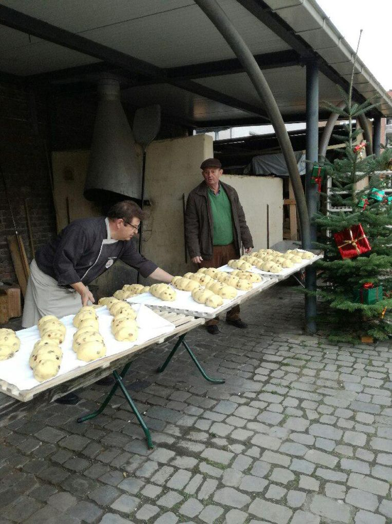 De Totemannen worden op de Kerstmarkt verkocht. Men hoopt op 2.000 stuks.