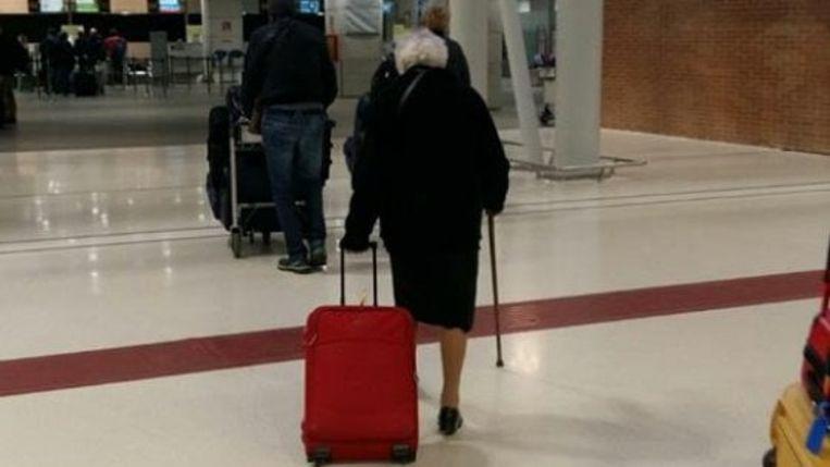Daar gaat ze, de Italiaanse oma Irma. Op weg naar Kenia.