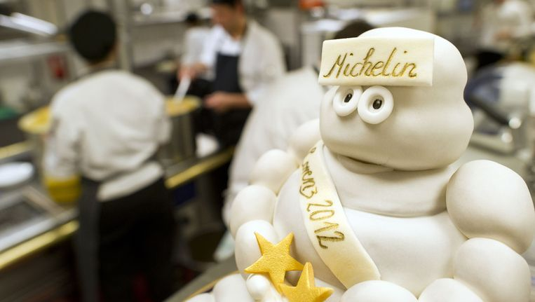 Een Michelintaart in het Lorenz Adlon Esszimmer-restaurant in Berlijn, dat half november twee Michelinsterren kreeg. © AFP Beeld