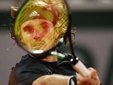 Outsiders Tsitsipas en Roeblev tegen elkaar in kwartfinale Roland Garros