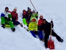 Auto's ingesneeuwd, maar verder hebben Rhedense vrienden een top-vakantie
