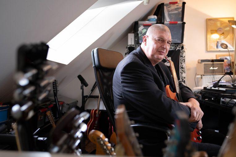 'Lange Polle' leeft zich deze dagen thuis uit in zijn studio in Lier.