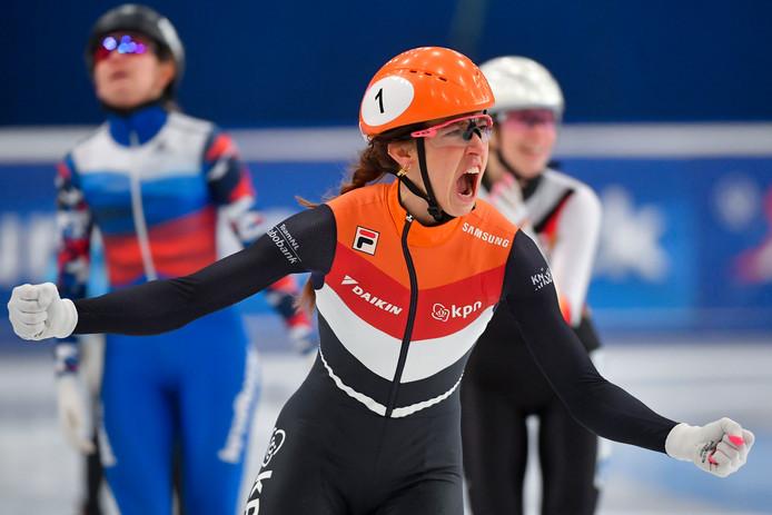 Suzanne Schulting tijdens de 1500 meter.