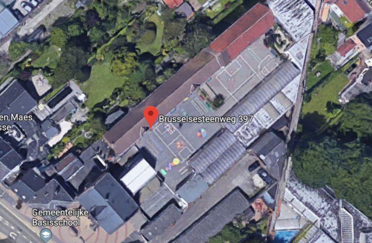 Sporthal en kleuterschool krijgen nieuw dak in Melle.