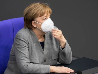 """Duitsland overweegt """"mega-lockdown"""": voorstel op tafel om FFP2-masker te verplichten op openbaar vervoer en in winkels"""
