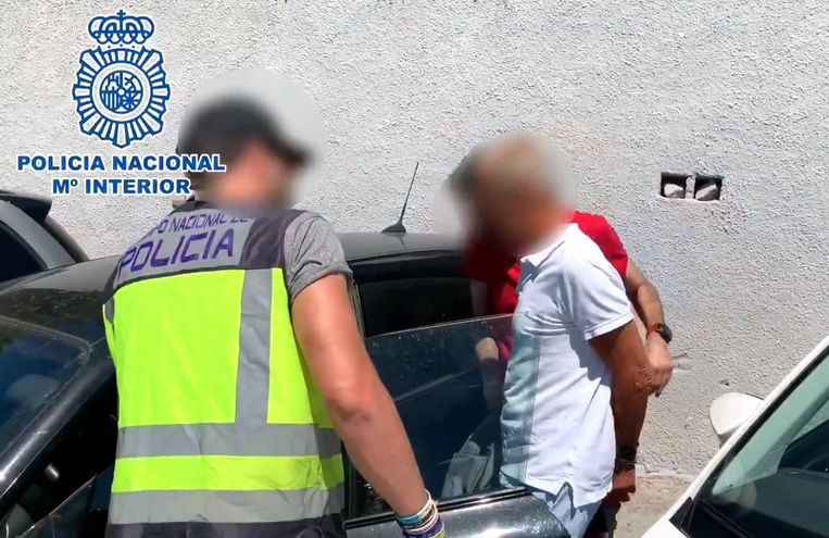 Bij zijn arrestatie in Spanje.