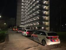Familielid vindt dode man (63) in 'vrijgezellenflat' in Oss: mogelijk overval aan vooraf