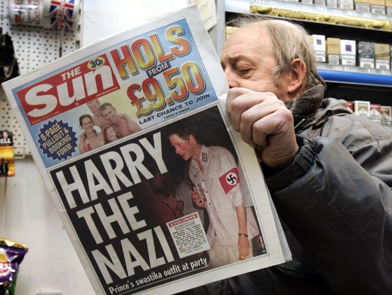 De Britse pers smulde van het Nazi-schandaal rond prins Harry.